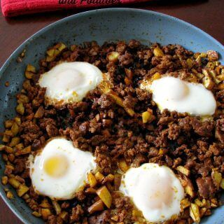 Eggs with Chorzio and Potatoes