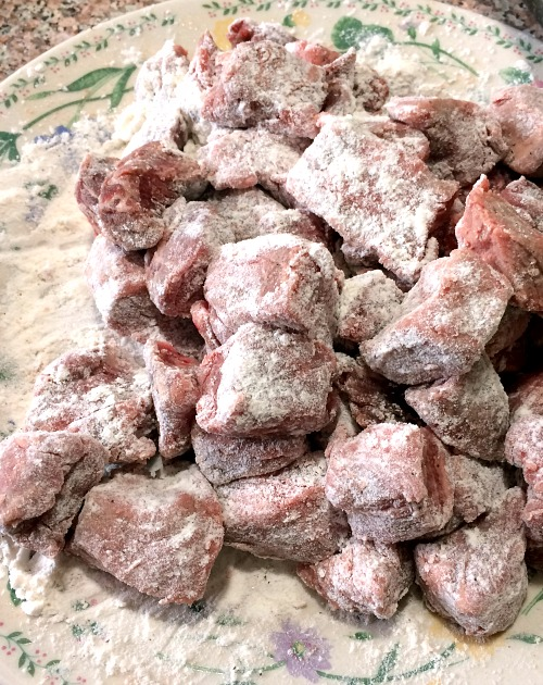 Photo of flour coated beef cubes