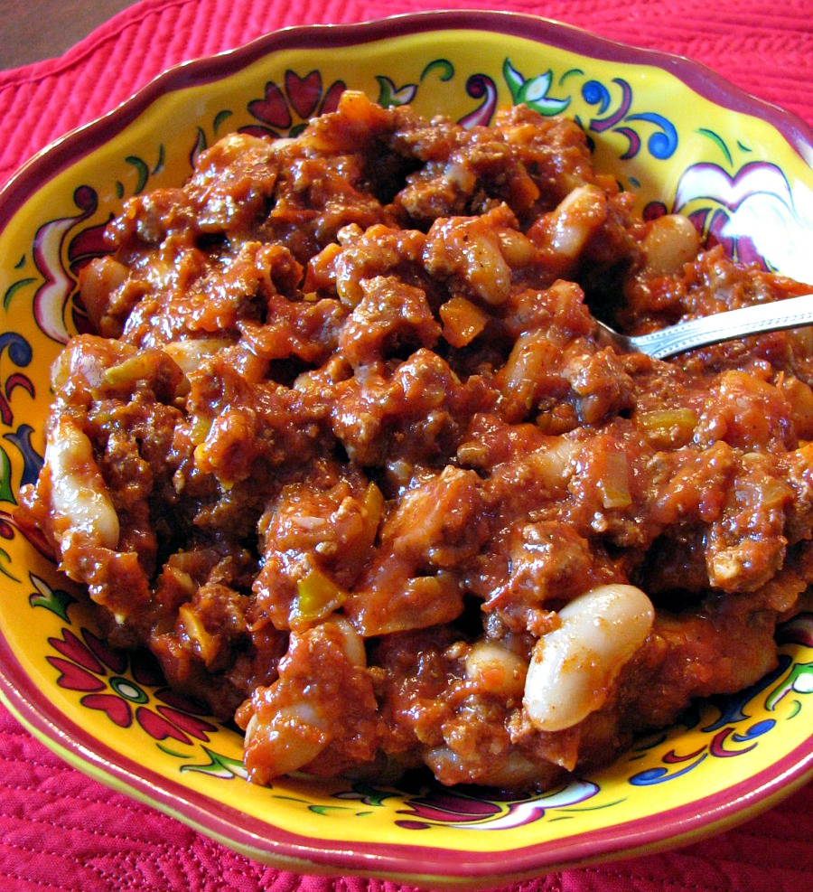 Turkey Habanero Chili- Spicy hot chili lightened up with ground turkey and loaded with bean and veggies. Good for you and delicious!